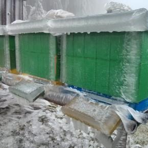 Naše úly pokryté ledovkou dne 3. prosince 2014